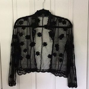 Sweaters - Black delicate crocheted shrug